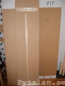 Framsida och baksida anslagstavla porösboard pysslan