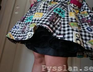 underkjol kassetbandsklänning Pysslan
