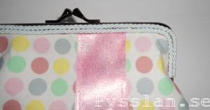 pastellprickig handväska närbild band pysslan