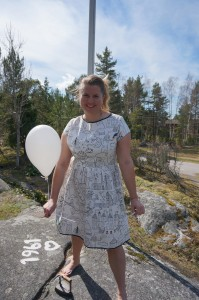 Svatrvit målad klänning framifrån pysslan blogg