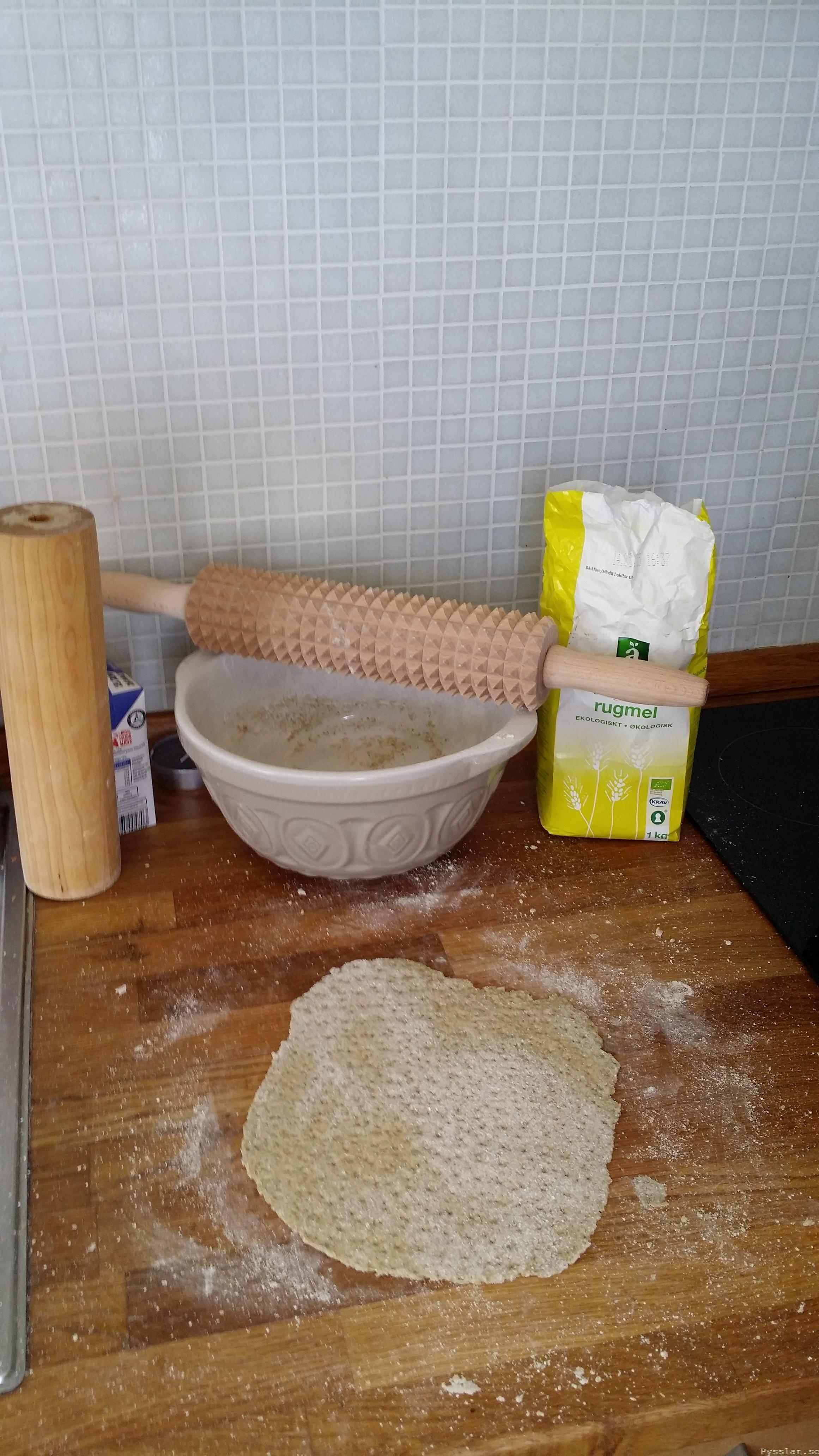 Frukostbröd snabbt enkelt söndagsmorgon lyx Stomp tunnbröd rågmjöl Pysslan blogg