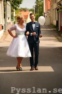 SoS 50-tals inspirerad retro bröllopsklänning brudparet pysslan blogg