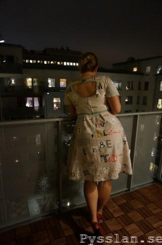 Grå blå kul klänning 50 tals mönster bak pysslan blogg