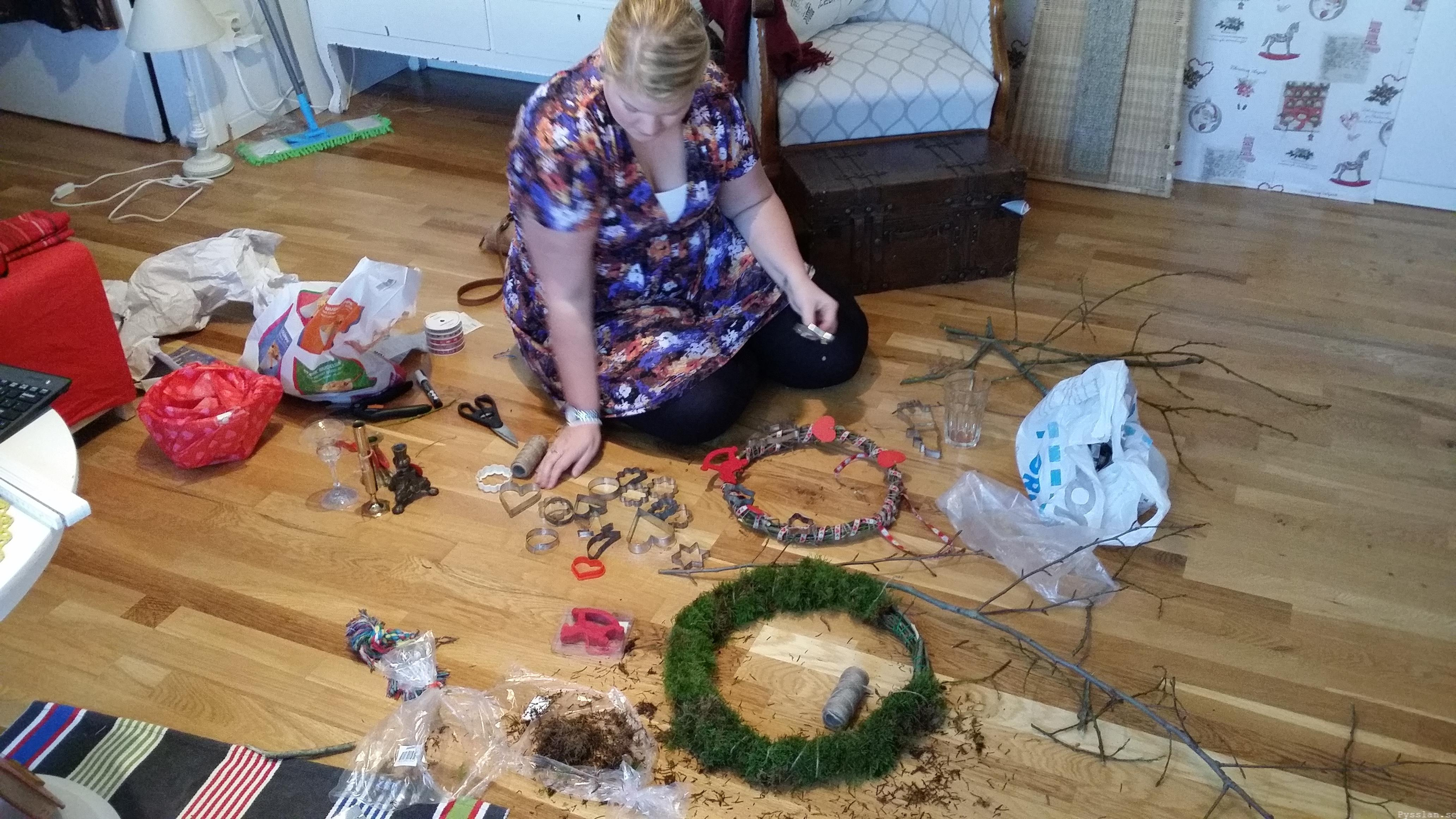 Pysselkaos julkrans mossa band hampa hjärtan pepparkaksformar pysslan blogg
