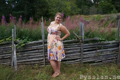skir rosa sommarblommig klänning pysslan blogg sida