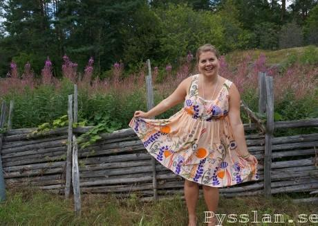skir rosa sommarblommig klänning pysslan blogg vidd