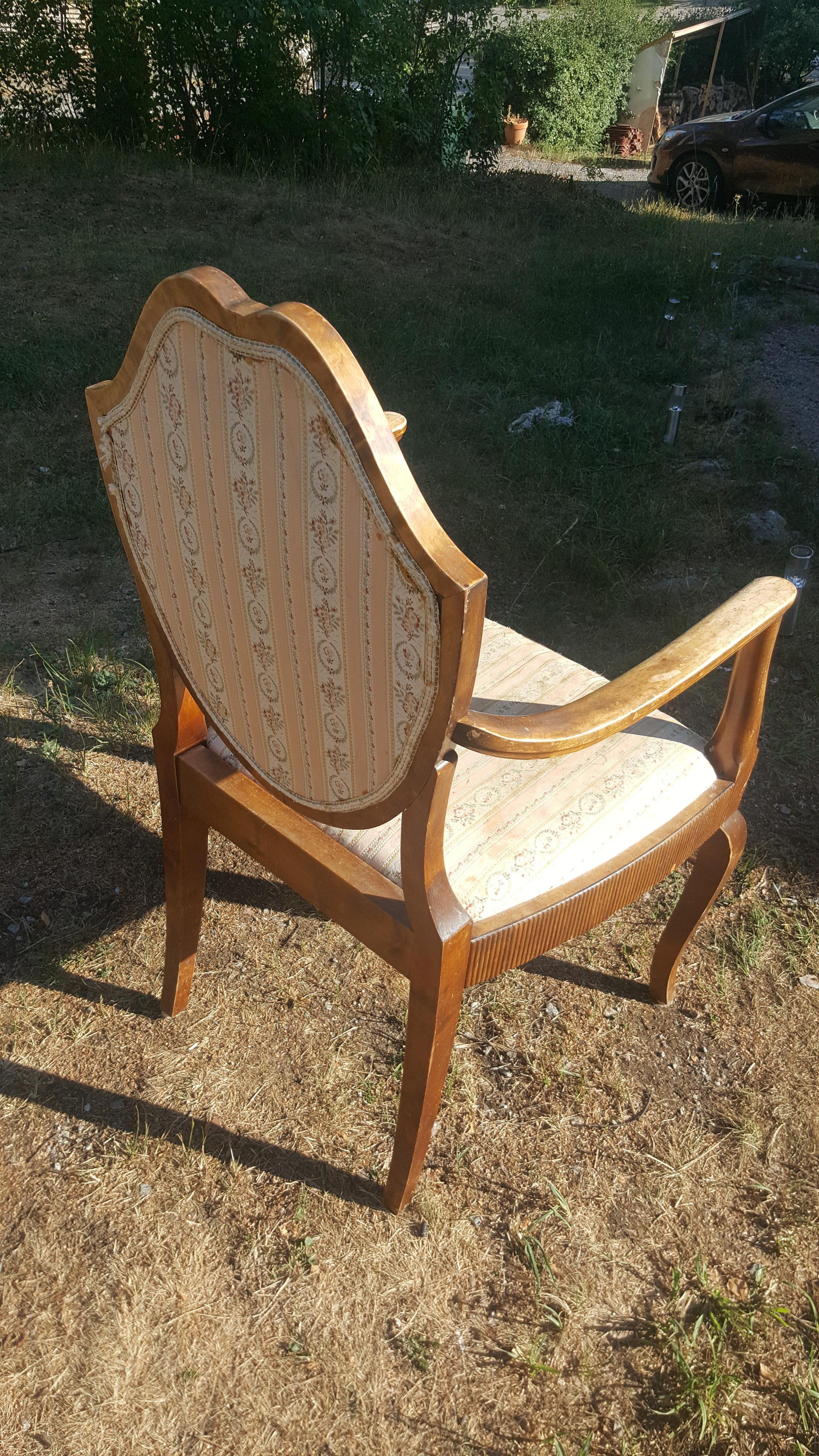 Klä om gammal stol, enklare än du tror rosa brun möbel sekelskiftet 20-tal villasmultronbacken pysslanblogg baksida