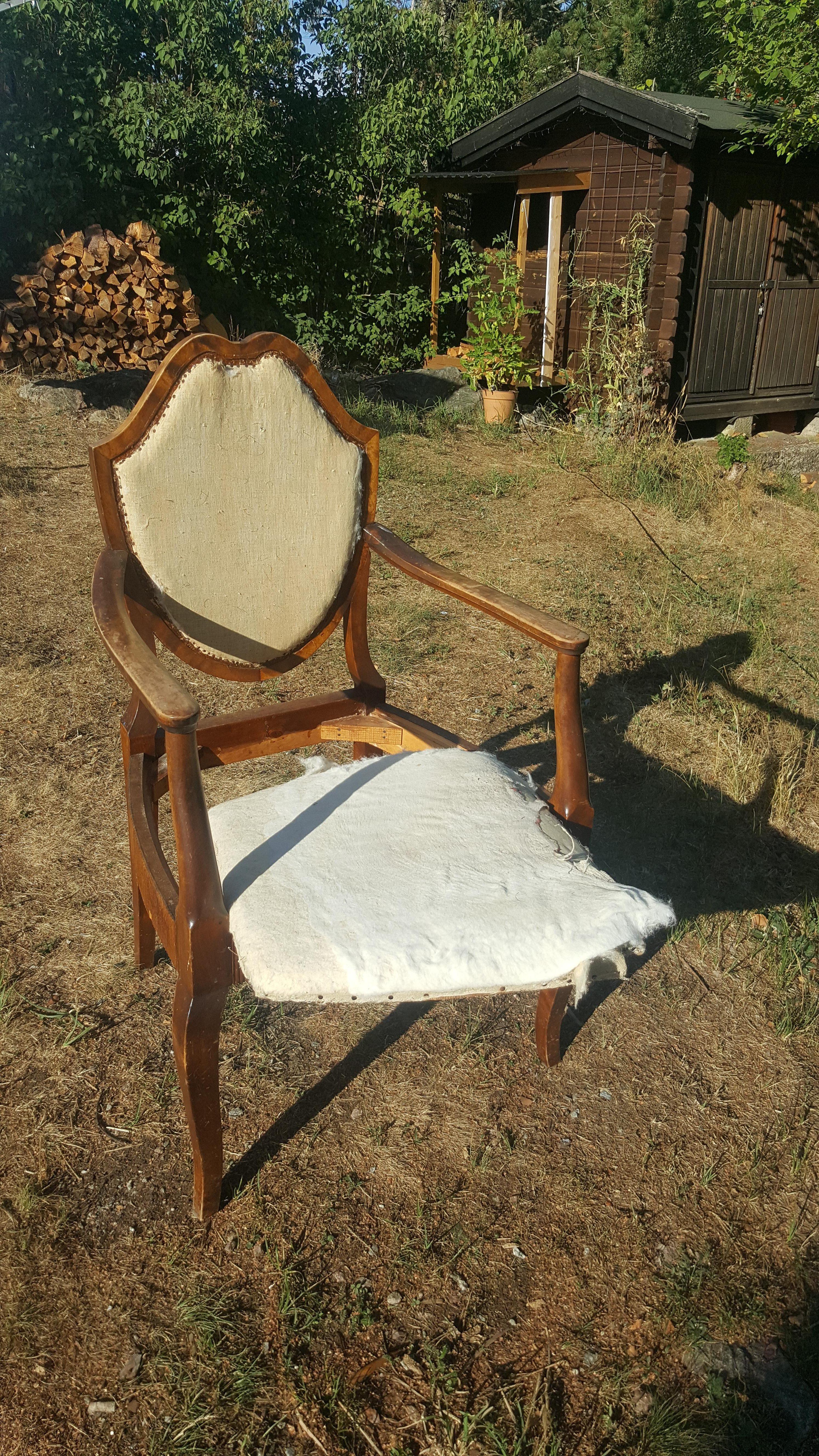 Klä om gammal stol, enklare än du tror rosa brun möbel sekelskiftet 20-tal villasmultronbacken pysslanblogg rensad