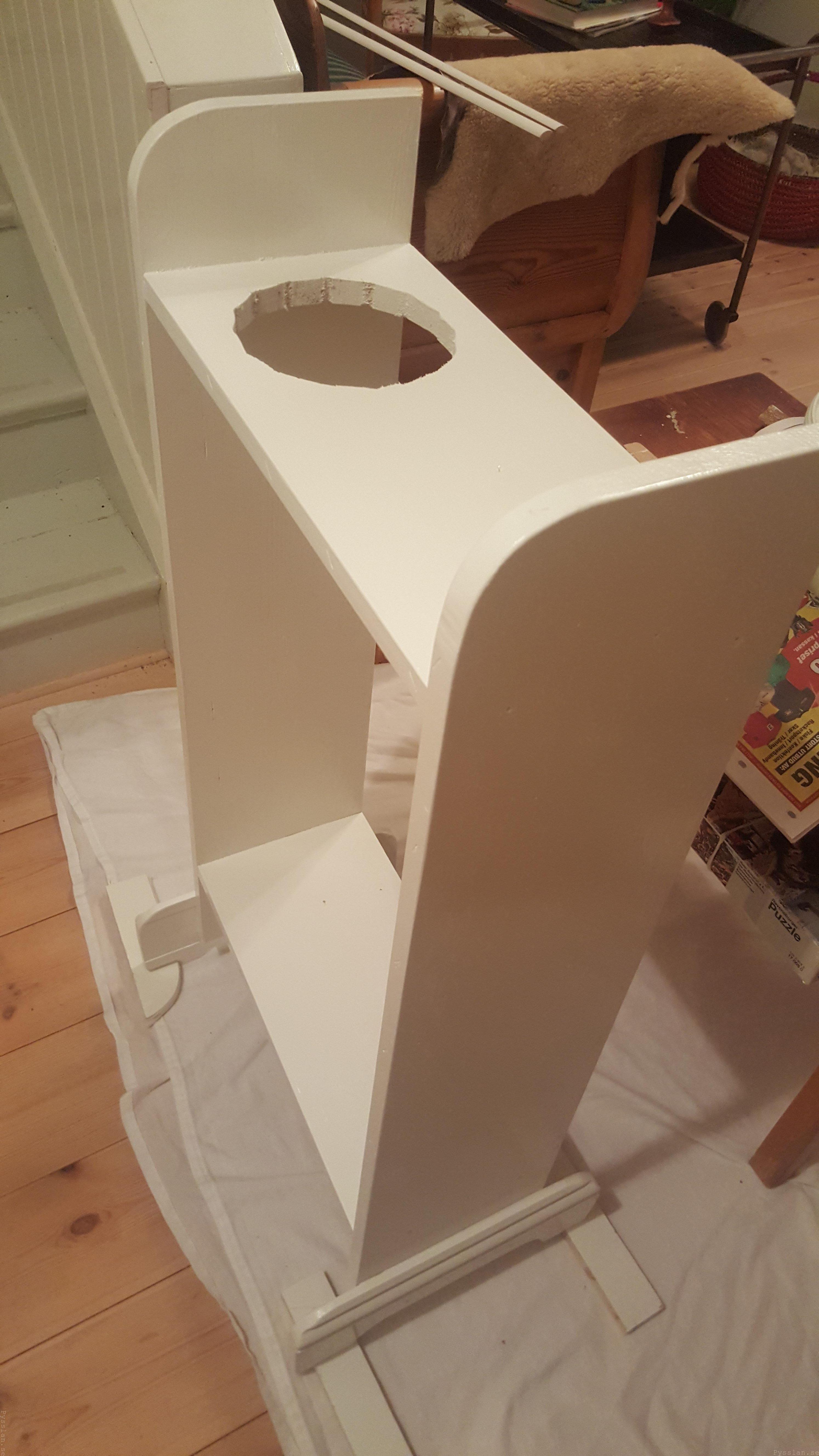 Enkel och praktisk vedförvaring villasmultronbacken pysslanblogg förvaring tändved fetved